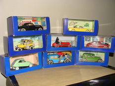 Atlas-Tintin - Scale 1/43 - Lot of 8 cars Tintin: 3 x models various inspiration, 1 x Lancia, 1 x Taxi Checker, 1 x Citroën 2CV, 1 x Ford T and 1 x Packard 12 coupe