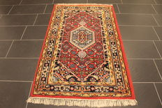 Distinguished hand-woven oriental carpet, Indo Bidjar Herati 97 x 170 cm, made in India at the end of the 20th century