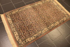 Distinguished hand-woven oriental carpet, Indo Bidjar Herati 90 x 160 cm, made in India at the end of the 20th century