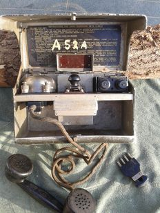 English field telephone WW2 with Signal/Morse key 1939
