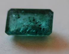 Emerald - Deep Green - 0.92  carat