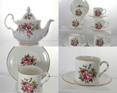 Mixed lot of 6 Royal Worcester Bournemouth Porcelain Coffee Duos + Royal Albert Moss Rose Porcelain Teapot