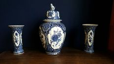 Large cabinet set, Boch made for Royal Sphinx Delfts blue