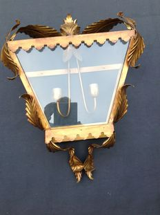 Gold plated lantern lamp