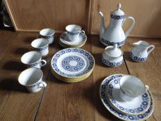Weimar Porzellan - Coffee set for 6 people + 6 dessert plates Echt Weimar-Kobalt, Harmonie