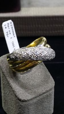 Beautiful cocktail ring, 18 kt and diamonds.