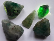 Lot of Natural Emerald - 328.35t (5)