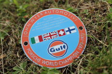 Porsche - John Wyer Gulf Porsche World Champion 1970 - 1971 - enamel badge
