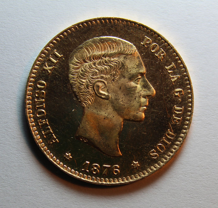 Spain – Francisco Franco – In the name of Alfonso XII – Coinage of the Royal Mint House – 25 Pesetas – 1976*76 – Rare