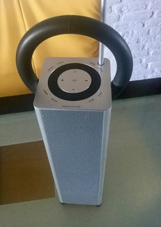 B & O  Beosound 3 radio ontworpen door David Lewis.