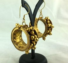 Earrings from the late 1800s/early 1900s – Bhopa Rabari women, Gujarat, India – 18 kt gold