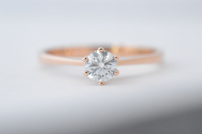 18 karat rose gold solitaire ring with brilliant cut diamond - Ring size: 58, resized free of charge