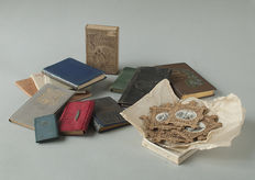 Curiosities; Collection of 14 miniature booklets, calendars and baubles - 19th / 20th century