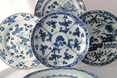 Collection of plates with various decorations - China - 18th Century