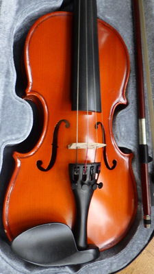 Children's violin - 1/4 - with bow and shoulder bag - 21st century