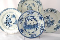Four plates in underglaze blue - China - 18th Century