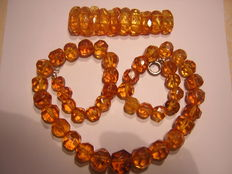 Natural amber necklace and bracelet, handiwork, 74 g necklace, bracelet 15 g