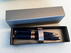 Dupont- Fountain and Rollerball Pen Set- Navy Blue Lacquer/ 14K Rose Gold- New Condition- No Defects Never Used