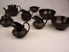 Mourning tableware
