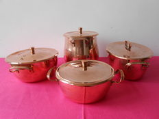 4 beautiful cooking pots in red copper.