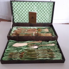 SBS Solingen - 38 piece luxury fish cutlery - 23/24 carat hard gold plated - in beautiful old box