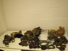 Lot with diverse military articles, 8 kilograms