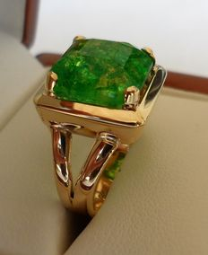 7.90 ct Certified Green Emerald Square Shaped in New Designed Ring of 14K Solid Yellow Gold