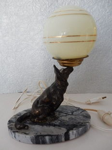 Old and very pretty bedside lamp with a dog - Art Deco - on grey marble base - 20th century - France