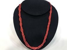 Necklace composed of four twisted Sardinian coral strands with gold