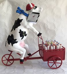 Martine Diotalevi for Cow Parade - Lait Triporteur - EXTRA LARGE