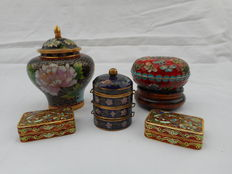 Large lot different cloisonné objects - pill box - urn -  jewellery jar - China mid 20th century