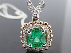 Diamond pendant with a natural 0.81 ct Columbian square cut  green emerald  I.G.I. certificate and 27 diamonds total 0.25 ct