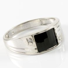 Estate 10kt  Men's White Gold Ring Set With Diamonds and Onyx