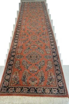 Magnificent Orient rug Indo Sarough 325 x 84 cm End of the 20th century