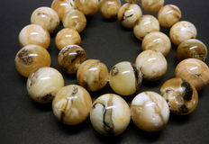 Natural 100% Baltic amber necklace 65 gr, marbled colour