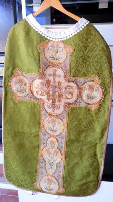 Religious chasuble - of the 18th. Silk
