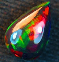 Solid black Welo opal – 13.00 x 9.00 x 5.63 mm - 3.11ct