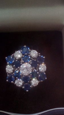 18ct White Gold Diamonds and sapphire ring