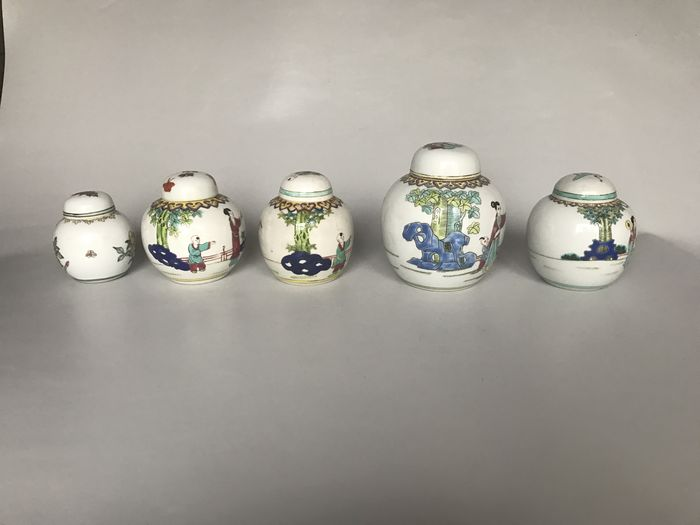 5 Chinese porcelain ginger pots - China - second half 20th century