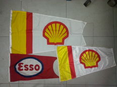 1 vintage flag Esso, 2 Shell pennants - 1960-1970-1980