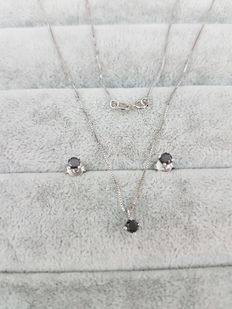 Jewellery Set –18 kt white gold – Black diamond point of light necklace and earrings – Made in Italy.