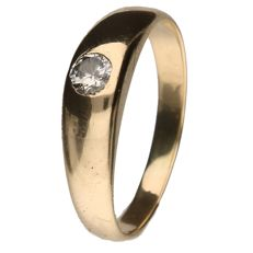 Yellow gold solitaire ring set with a 0.13 ct brilliant cut diamond.