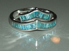 18 kt white gold ring with 1.10 ct blue diamond *** No reserve price ***