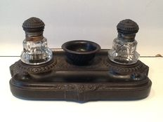 Richly worked ink set with cut glass inkwells - English - ca. 1900