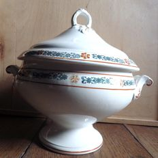 Saint Amand - Soup tureen in ceramic, Molière design