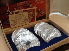 Antique set of 6 Cavalier wine coasters in English silver plate with original box, 1900