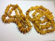 Lot of two natural amber necklaces, weight of both necklaces 194.4 grams in total