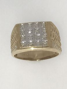 Yellow gold men's ring with diamond