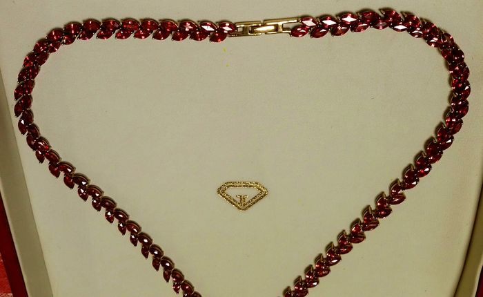 Necklace with 34.48 ct rubies and extension clasp