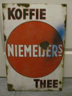 Niemeijer's 'Koffie Thee' (Coffee and tea) enamel sign